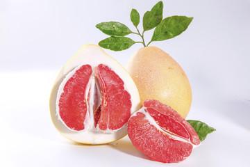 广西环江:红心香柚大量上市