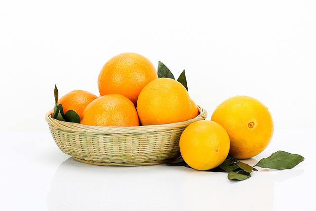 广西玉林:柑橘类水果价格低廉