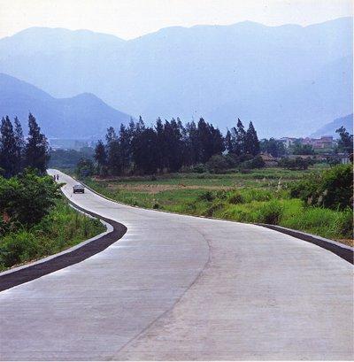 农村公路宽不足4.5米,将全部拓宽至4.5米,不用农民出半分钱! ...